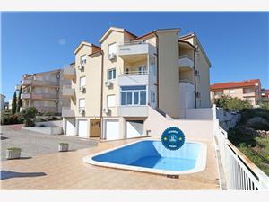 Appartement Giordana Vodice, Superficie 36,00 m2, Hébergement avec piscine, Distance (vol d'oiseau) jusqu'au centre ville 600 m