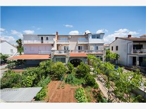 Appartement et Chambres Stazija Riviera de Zadar, Superficie 20,00 m2, Distance (vol d'oiseau) jusque la mer 5 m, Distance (vol d'oiseau) jusqu'au centre ville 950 m