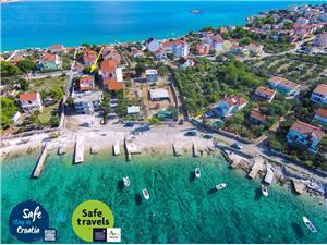 Haus Nono Sevid, Größe 65,00 m2, Luftlinie bis zum Meer 50 m, Entfernung vom Ortszentrum (Luftlinie) 100 m