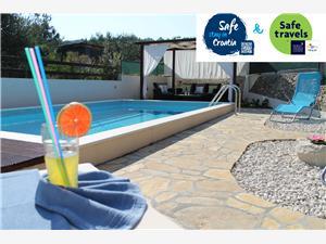 Dům Diana Razanj, Prostor 200,00 m2, Soukromé ubytování s bazénem, Vzdušní vzdálenost od centra místa 150 m