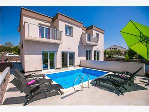 Hus Pink Krk - ön Krk, Storlek 125,00 m2, Privat boende med pool, Luftavståndet till centrum 200 m