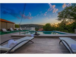вилла Luxury Stone Риека и Цирквеница ривьера, квадратура 400,00 m2, размещение с бассейном
