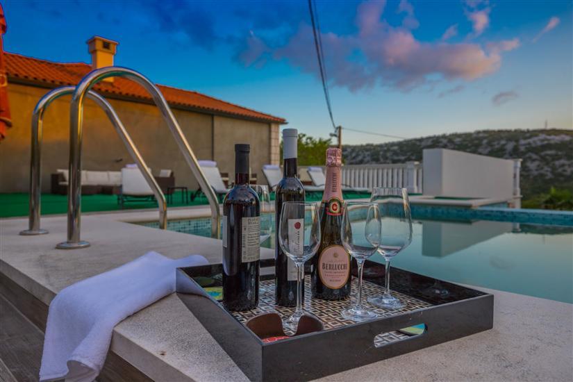 Vila Luxury Stone