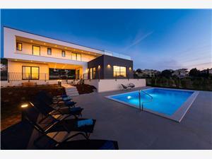 Villa Maya голубые Истрия, квадратура 244,00 m2, размещение с бассейном