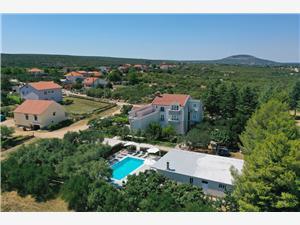 Hébergement avec piscine Riviera de Zadar,Réservez Adrian De 675 €