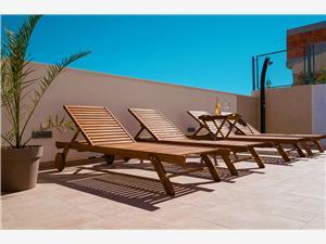 Huis Magdalena Kanica, Kwadratuur 180,00 m2, Accommodatie met zwembad, Lucht afstand tot de zee 30 m
