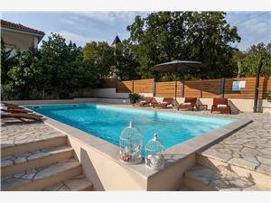 Privat boende med pool Rijeka och Crikvenicas Riviera,Boka SOLO Från 710 SEK