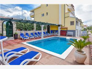 Apartmanok Jacqueline Pakostane, Méret 28,00 m2, Szállás medencével, Központtól való távolság 20 m