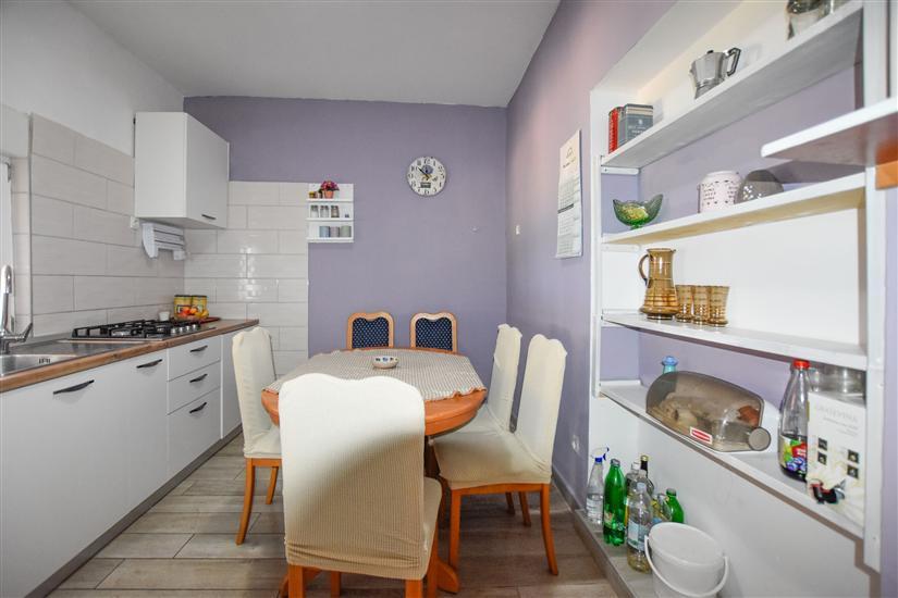 Kuća K1, za 6 osoba/e