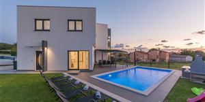 House - Kastelir