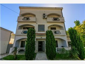 Appartement Ines Jadranovo (Crikvenica), Kwadratuur 48,00 m2, Lucht afstand naar het centrum 600 m