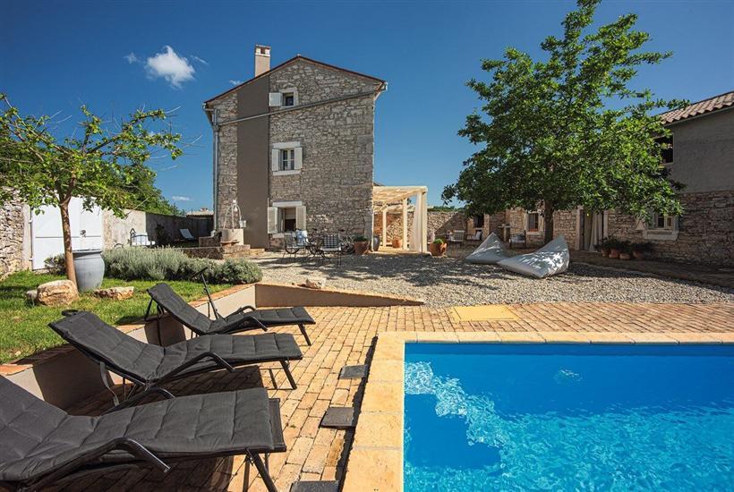 Villa Re