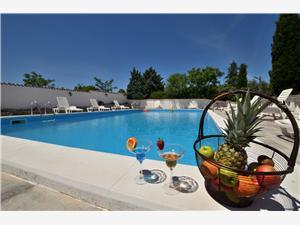 Pokoj Aurora Pula, Prostor 35,00 m2, Soukromé ubytování s bazénem