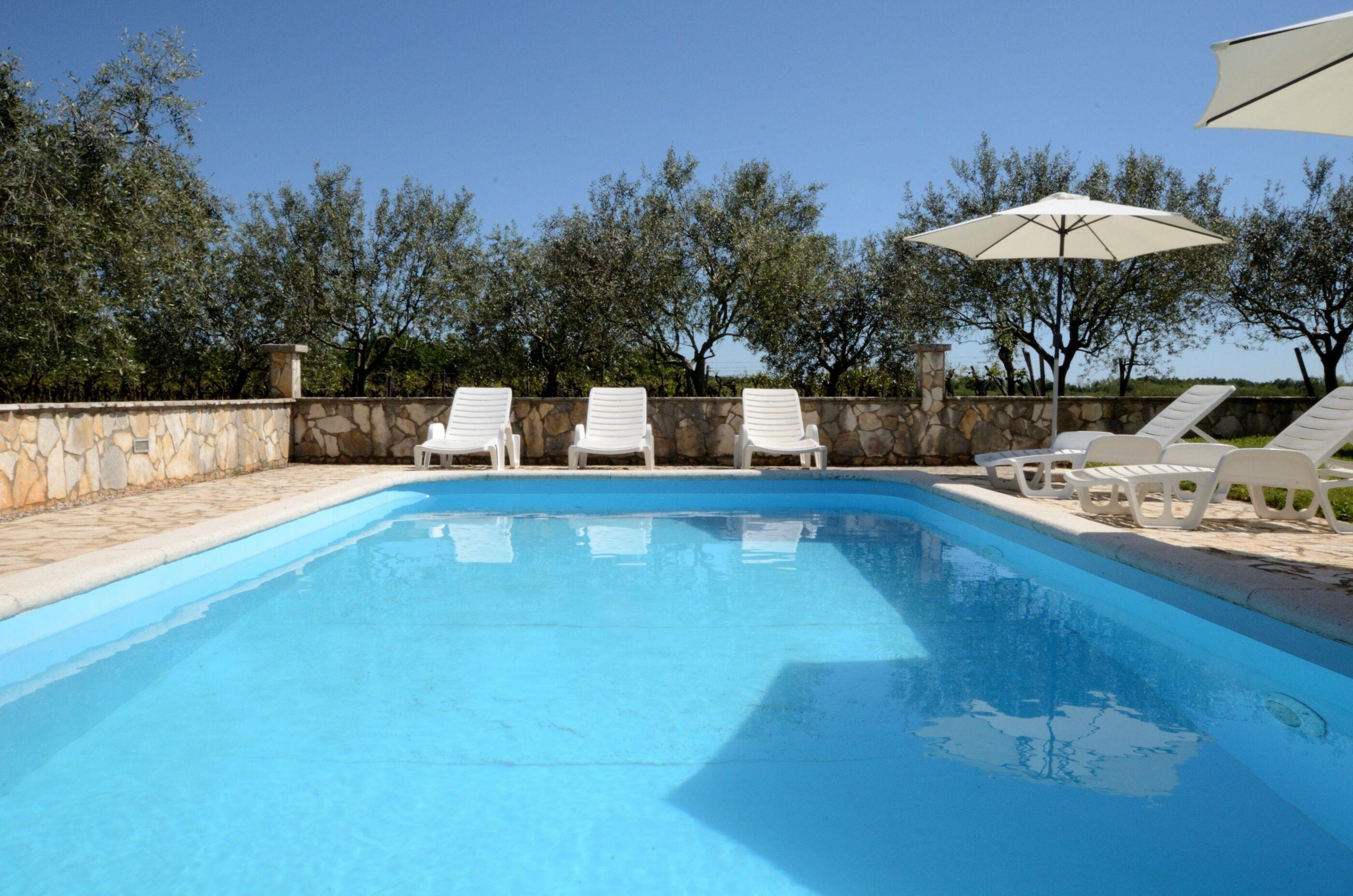 Hébergement avec piscine L'Istrie bleue,Réservez Mariano De 84 €