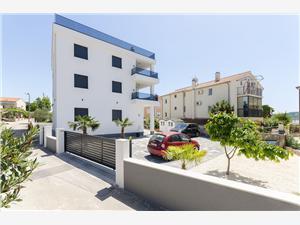 Appartementen CASIA Srima (Vodice), Kwadratuur 105,00 m2, Lucht afstand tot de zee 30 m, Lucht afstand naar het centrum 250 m