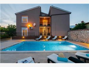 Hébergement avec piscine Lara Barban,Réservez Hébergement avec piscine Lara De 257 €