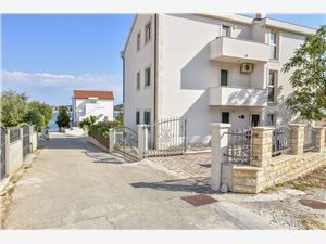 Appartementen Anka Rogoznica, Kwadratuur 65,00 m2, Lucht afstand tot de zee 50 m