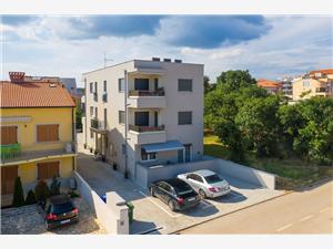 Beachfront accommodation Blue Istria,Book Ivona From 87 €