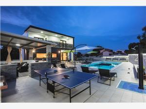 Villa Edis Stinjan (Pula), Rozloha 216,00 m2, Ubytovanie sbazénom, Vzdušná vzdialenosť od centra miesta 500 m