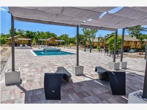 Alloggi con piscina Riviera di Zara,Prenoti tents Da 195 €