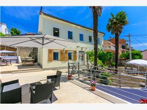 Dovolenkové domy Rijeka a Riviéra Crikvenica,Rezervujte TINAC Od 285 €