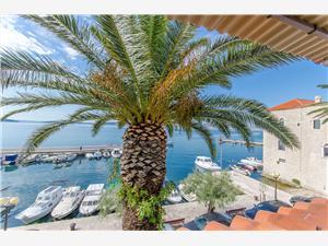 Beachfront accommodation Split and Trogir riviera,Book Marija From 257 €