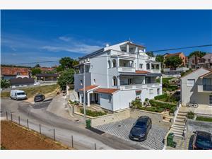Appartements et Chambre Danijel Sv. Filip i Jakov, Superficie 70,00 m2, Distance (vol d'oiseau) jusqu'au centre ville 600 m