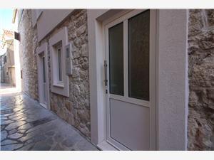 Appartement Ghetto aparment Primosten, Stenen huize, Kwadratuur 50,00 m2, Lucht afstand tot de zee 80 m