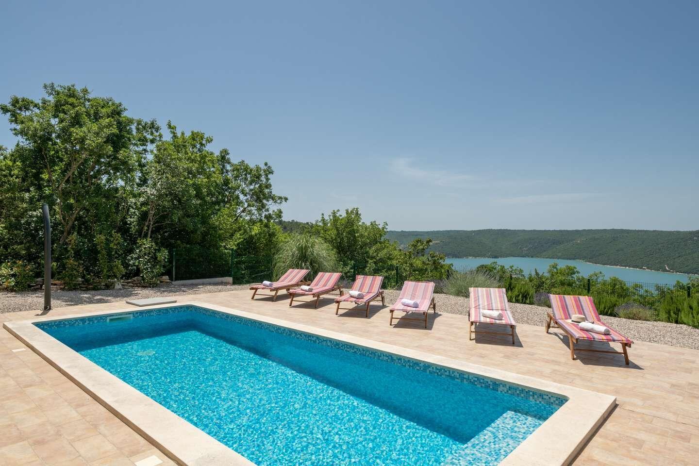 Hébergement avec piscine L'Istrie bleue,Réservez Valente De 285 €