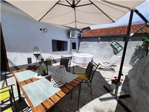 Vakantie huizen De Crikvenica Riviera en Rijeka,Reserveren Milica Vanaf 157 €