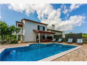 House Marija Labin, Size 90.00 m2, Accommodation with pool