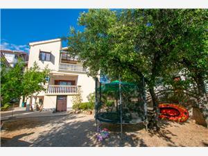 Apartmány Barbara Pakostane, Prostor 120,00 m2, Vzdušní vzdálenost od centra místa 500 m