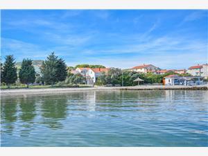 Ház Cvit Dobropoljana, Méret 100,00 m2, Légvonalbeli távolság 20 m, Központtól való távolság 150 m