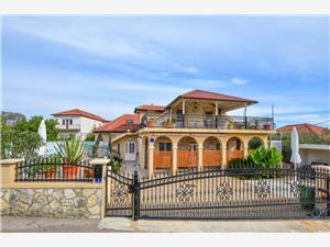 Дом Vila Rosales Ugljan, Каменные дома, квадратура 160,00 m2, размещение с бассейном