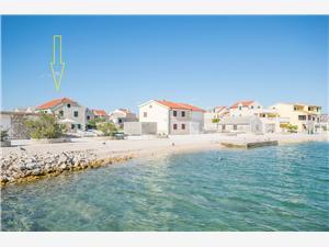 Ferienwohnung Island Sun Terrace Krapanj - Insel Krapanj, Größe 72,00 m2, Luftlinie bis zum Meer 30 m, Entfernung vom Ortszentrum (Luftlinie) 50 m